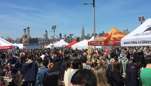 High noon at Smorgasburg. Note how Parantha Alley stands out from the competition.